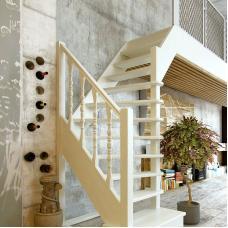 Деревянная универсальная лестница ЛЕС-91 (поворот 90°)
